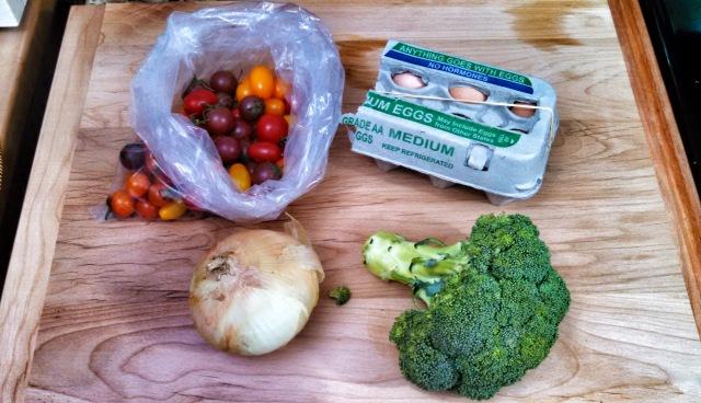 Tomatoes, eggs, onion, broccoli